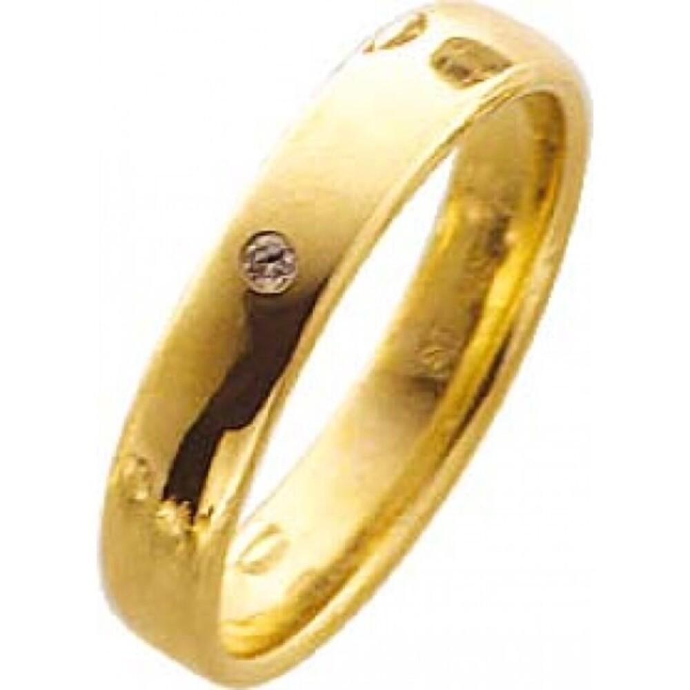 Trauring in Gelbgold,mit echtem Brillant 0,02ct W/SI, hochglanzpoliert 333/  8 karat Breite 4 mm, Stärke 1,3mm  Die Gravur der Trauringe sowie das Etui erhalten Sie kostenlos und bei diesen einfarbigen Trauringen - Eheringen ist auch der kostenlose jährli