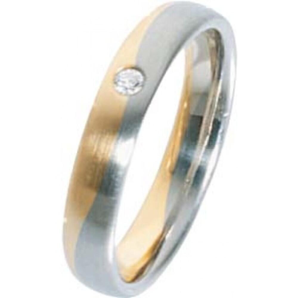 Trauring in Gelbgold 585/- / Weißgold 585/-, Brillant 0,04 Carat W/SI, Breite 4,0mm, Stärke 1,7mm, der Ring ist mattiert, die Gravur der Trauringe sowie das Etui erhalten Sie kostenlos und bei diesen zweifarbigen Trauringen - Eheringen ist auch der kosten