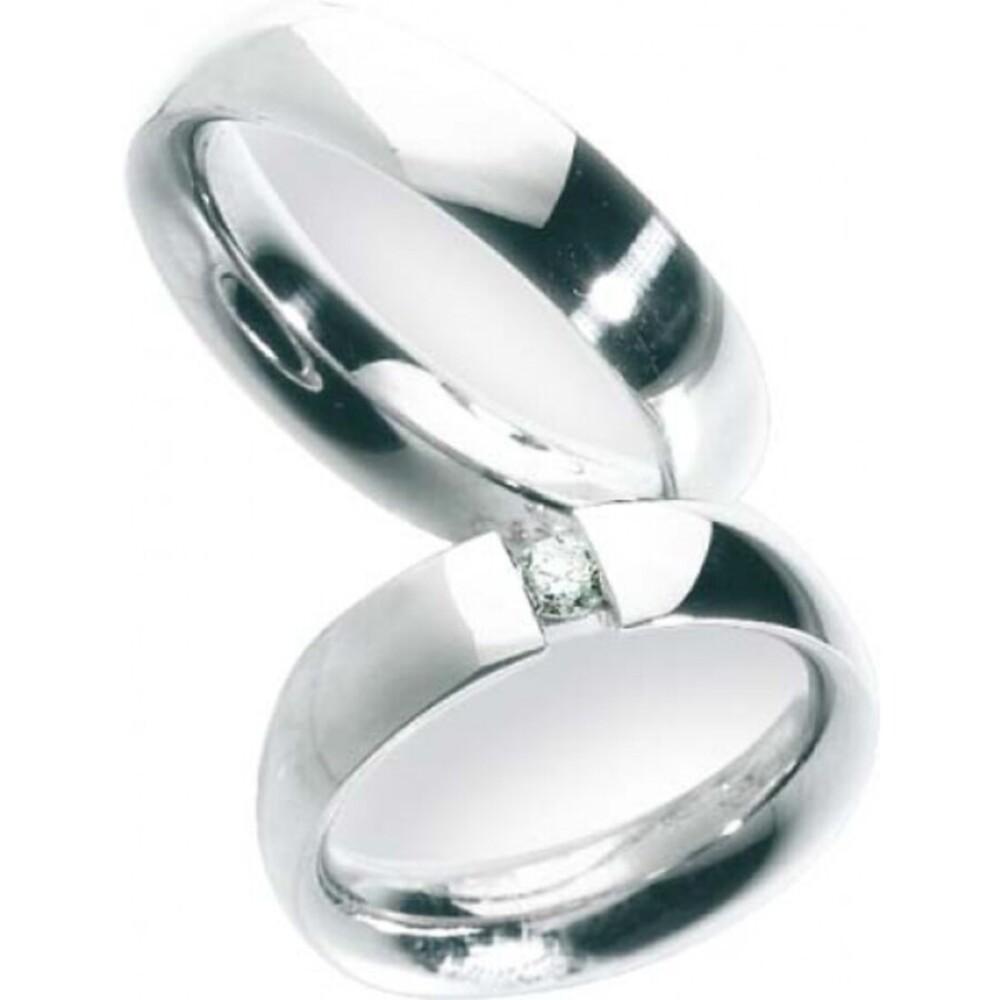 Trauring in Weißgold 585/-, Brill. 0,15ct W/SI, Breite 5,5mm, Stärke 2,6mm, der Ring ist hochglanz poliert, die Gravur der Trauringe sowie das Etui erhalten Sie kostenlos und bei diesen einfarbigen Trauringen - Eheringen ist auch der kostenlose Auffrischu