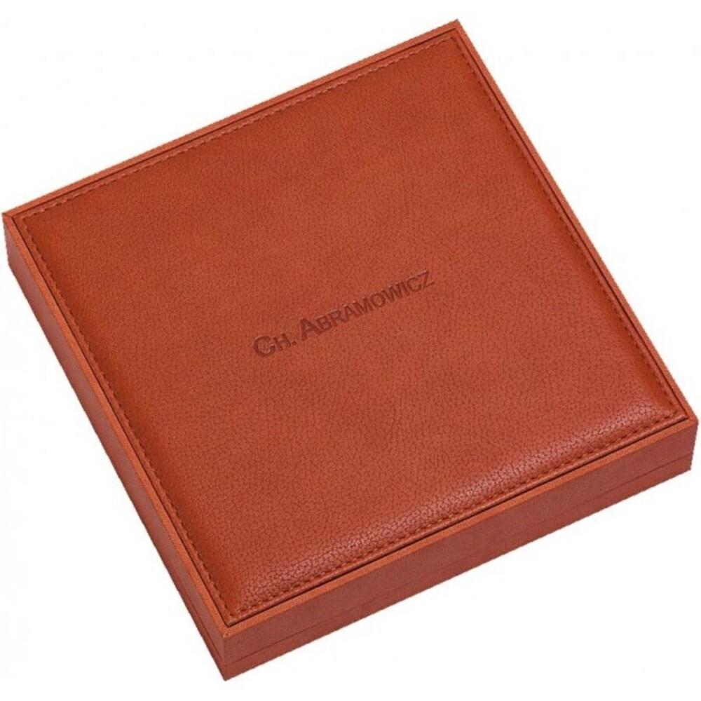 Collieretui aus Nubuk mit Schaumstoffeinlage, LxBxH 190x190x42 mm. Erhältlich bei Abramowicz, dem Juwelier Ihres Vertrauens seit 1949, aus Stuttgart, Rotebühlstr. 155